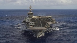 Pertama Sejak Perang Usai, Kapal Induk AS Kunjungi Vietnam