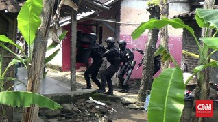 Densus 88 Tangkap Dua Terduga Teroris Pascainsiden Wiranto