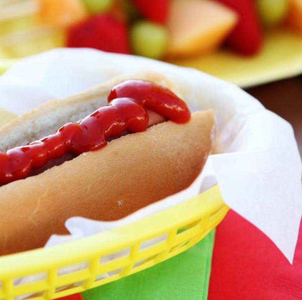 Bocah 9 Tahun Kena Serangan Jantung Saat Makan Hot Dog, Apa Sebabnya?