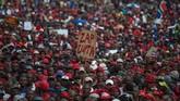 Protes tersebut dilakukan tepat pada hari ulang tahun ke-75 Zuma, pada tanggal 12 April 2017. Demonstran mengacungkan poster bertuliskan