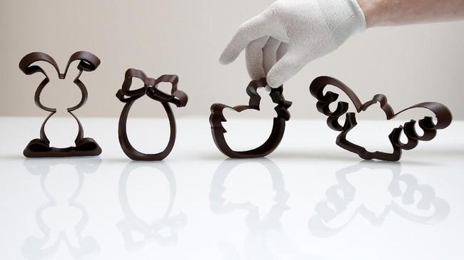 Mian Factory menerima pesanan dari hotel, pelanggan bisnis dan individual. Harga tergantung pada ukuran, bentuk dan jenis cokelat yang diinginkan pelanggan. (REUTERS/Francois Lenoir)