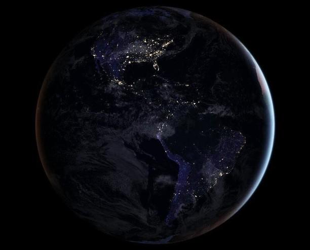 Gemerlap Bumi di Waktu Malam