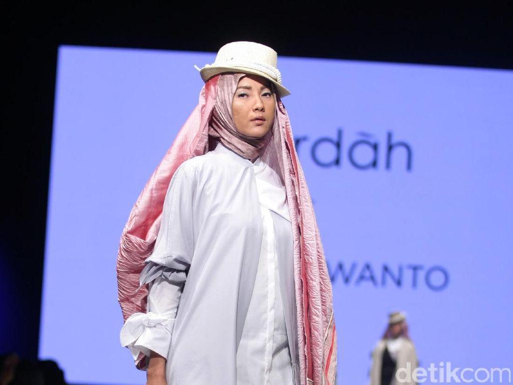Foto: Koleksi Deden Siswanto di Muslim Fashion Festival 2017