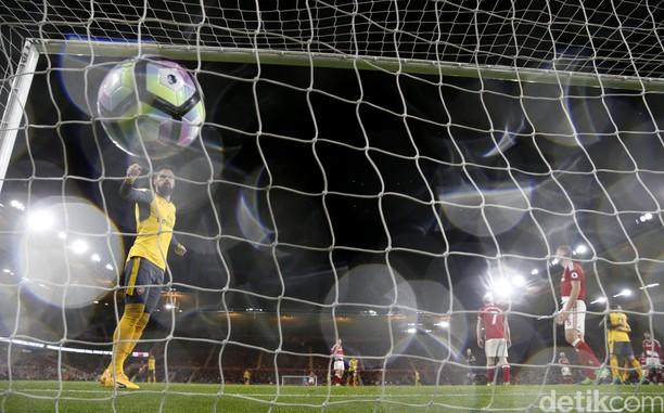 Arsenal Kalahkan Middlesbrough 2-1