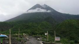 Hujan Abu Pengaruhi Status Objek Wisata Alam Gunung Merapi