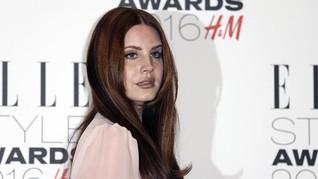 Gagal ke Palestina, Lana del Rey Batalkan Konser di Israel