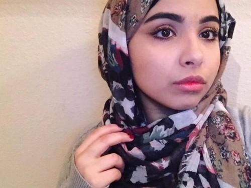 Remaja Arab di AS Viral karena Kirim Pesan ke Ayahnya Ingin Buka Jilbab