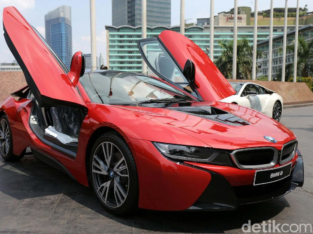 Ini dia BMW i8 Protonic Red Edition.