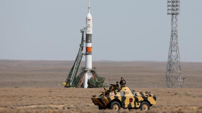 <p>Rencananya pesawat ini akan mendarat di International Space Station (REUTERS/Shamil Zhumatov)</p>