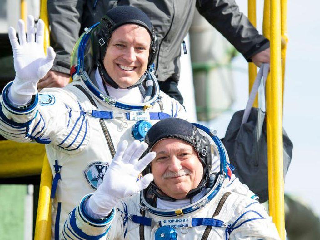 Kedua awak penjelajah antariksa ini menggunakan wahana Soyuz MS-04 kepunyaan Rusia untuk sampai ke ISS. (Foto: GettyImages)