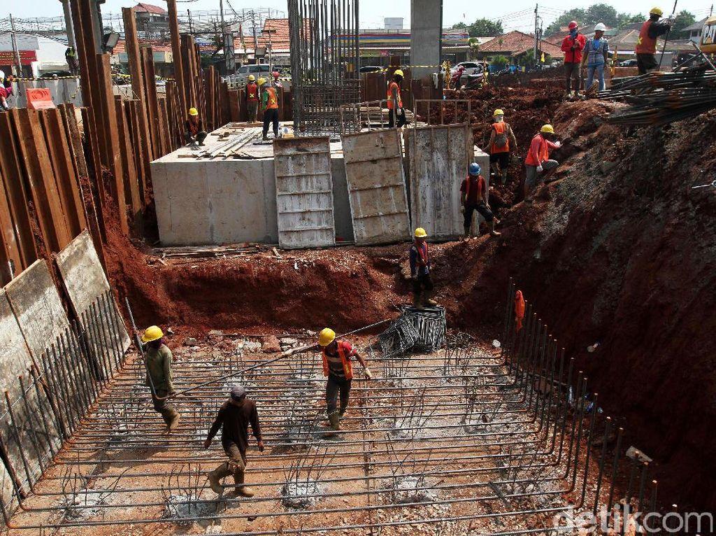 Pembangunan dilakukan dengan struktur melayang di atas Kalimalang dengan lebar jalan 2 x 14 meter, jalan berlapis aspal dengan jumlah dua lajur dan mampu untuk 3 kendaraan roda empat per lajur.