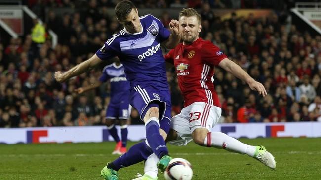 <p>Di babak kedua, baik MU dan Anderlecht sama-sama tak mencetak gol. Agregat gol pun imbang 2-2 hingga waktu normal berakhir sehingga laga harus dilanjutkan ke dua babak tambahan. (Reuters / Andrew Yates)</p>