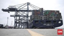 Melihat Layanan Kapal Raksasa Peti Kemas di Tanjung Priok