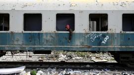 Mereka yang Mengadu Nasib di Antara Gerbong Kereta