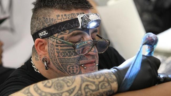 Perayaan 25 tahun konvensi pencinta tato dunia di jerman acara pencinta tato dunia international tattoo convention kembali digelar untuk ke 25 kali pada thecheapjerseys Gallery