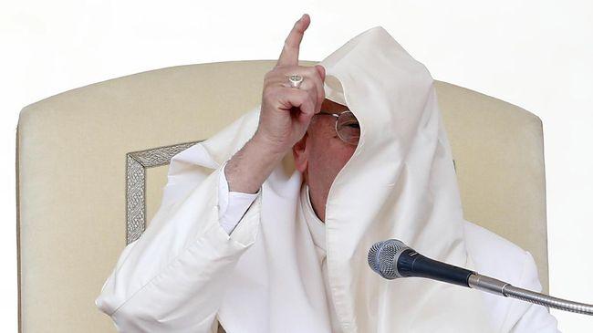 Skandal Pelecehan Seksual, Paus Fransiskus Didesak Mundur