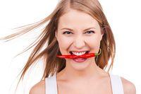 Pedasnya cabai dapat menstimulus produksi endorfin yang membuat orang bersemangat dan merasa senang. Irama jantung pun meningkat, dorongan seks semakin memuncak. (Foto: ilustrasi/thinkstock)