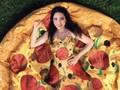 Pizza Bikini untuk Hari Bikini