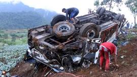 Jurang Terjal Pagar Alam Hambat Evakuasi Korban Bus Sriwijaya