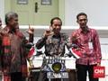 Senyum Jokowi di Perpustakaan Motor Tambal Ban