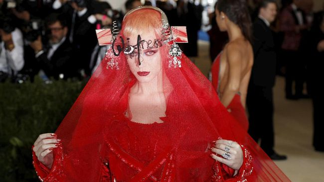 Katy Perry dan Nicki Minaj 'Balas' Swift di 'Swish Swish'