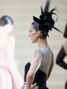 Foto: Gaya Rambut Aneh Celine Dion Hingga Katy Perry di Red Carpet