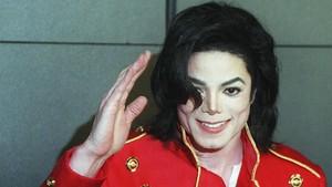 Macaulay Culkin Kenang Persahabatan dengan Michael Jackson