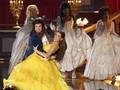 Menonton Keseruan MTV Movie & TV Awards