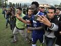 Mario Gomez Tak Suka Latihan Persib Disesaki Para Penonton
