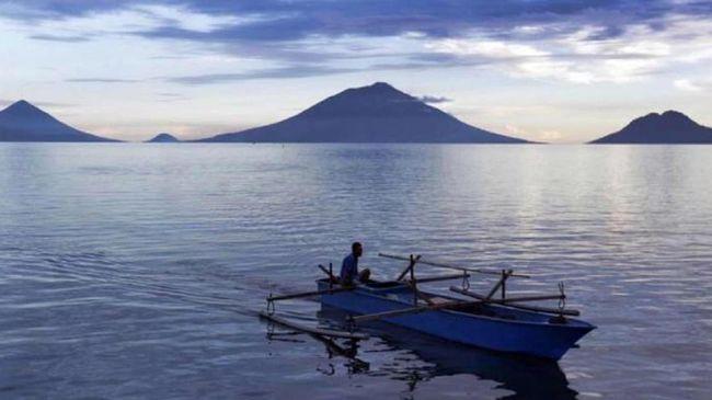 Warga Benahi Objek Wisata Pantai Kawasi Halmahera Selatan