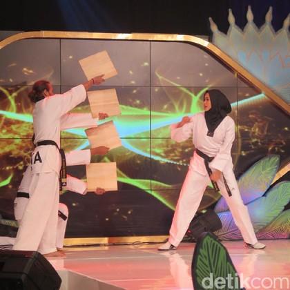Aksi Atlet Taekwondo Berperawakan Model Pukau Juri Sunsilk Hijab Hunt