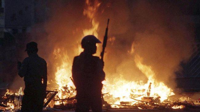 Mengingat Provokator Mei 1998: Berbadan Tegap, Berambut Cepak