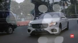 Mercedes-Benz E300 AMG, Si Mewah dari Wanaherang