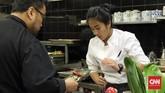 Untuk memperkenalkan kuliner Indonesia, IFT menggandeng chef Renatta Moeloek dan Maxie Millian. Mereka juga bekerjasama dengan chef-chef Indonesia yang berdomisili di kota-kota tersebut seperti Ari Munandar, Andy Tan, dan Yudi Yahya. (CNN Indonesia/Christina Andhika Setyanti).