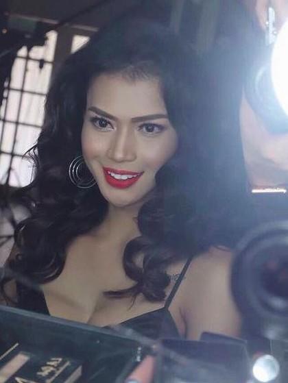 Heboh Dinda Syarif, Ini 8 Model Transgender yang Lebih Sukses dan Terkenal 1