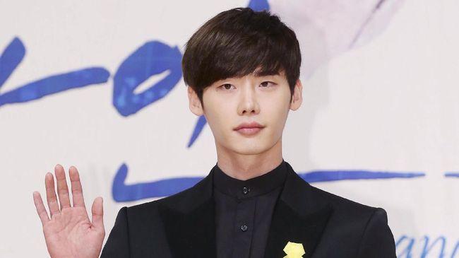Aktor Lee Jong Suk Putus Kontrak dengan YG Entertainment