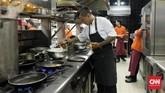 Promosi kuliner Indonesia ini dilakukan di beberapa restoran dan hotel di masing-masing kota. Kedua chef menjamu tamu restoran dengan berbagai makanan Indonesia andalannya. (CNN Indonesia/Christina Andhika Setyanti).