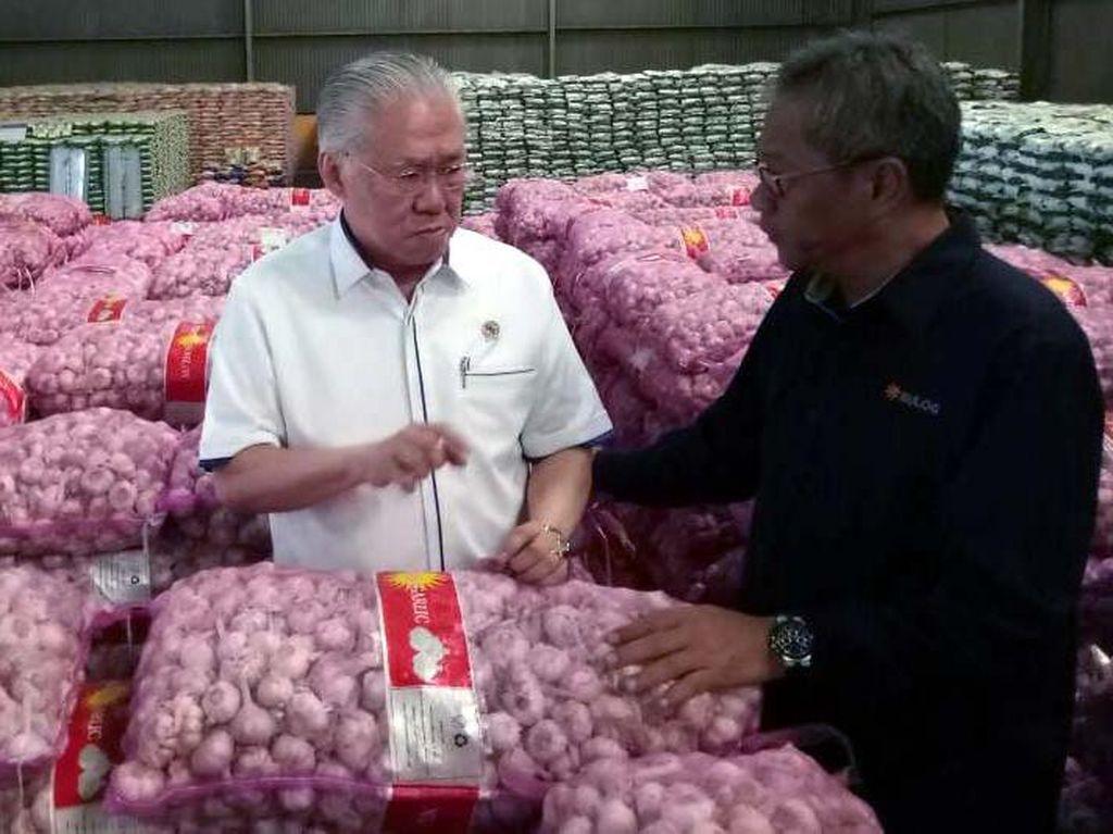 Operasi bernama gerakan stabilisasi harga pangan tersebut dipusatkan di Bulog Divisi Regional Kelapa Gading, Jakarta. Pool/dok. Kemendag.
