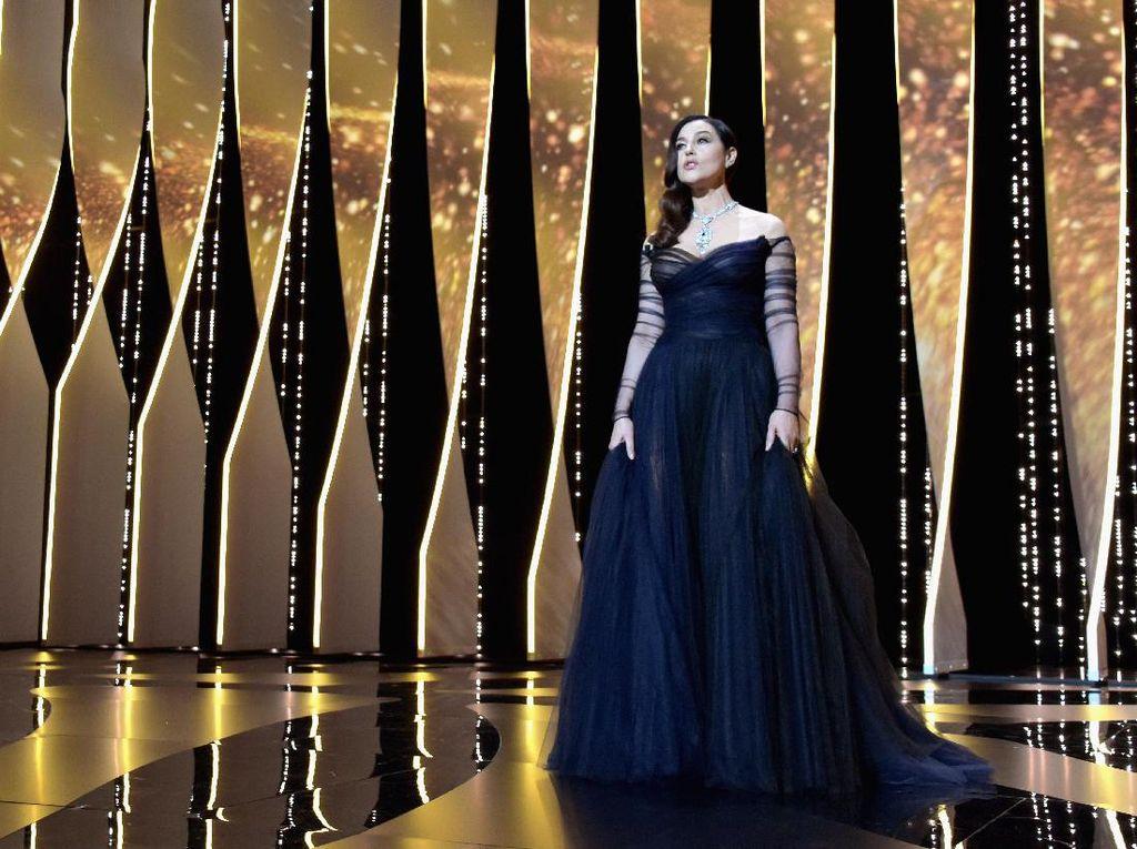 Foto: 15 Gaun Indah Selebriti di Cannes Film Festival 2017