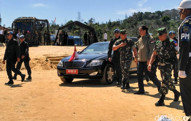 Jokowi Hadiri Latihan PPRC TNI di Natuna