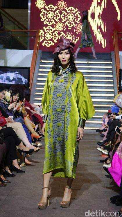 Foto: 20 Koleksi Busana Ramadan Alleira Batik