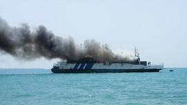 Kapal KM Kuala Mas Terbakar di Teluk Jakarta