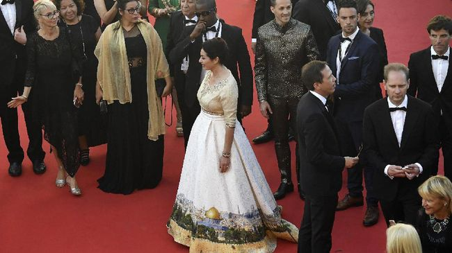 Gaun Provokatif Menteri Kebudayaan Israel di Cannes 2017