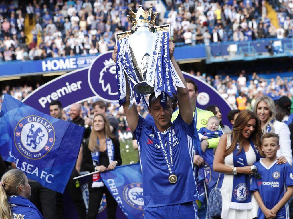 7. Chelsea. Enam titel berhasil dikoleksi Chelsea yakni 1954/1955, 2004/2005, 2005/2006, 2009/2010, 2014/2015, 2016/2017. Empat kali Chelsea jadi runner-up. (Foto: Reuters)
