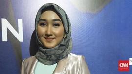 Inspirasi Kerudung 'Print Scarf' Ramadan Ala Dian Pelangi