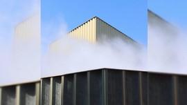 Mirip Kebakaran, Karya Seni Instalasi Bikin Panik Warga