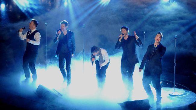 Take That Batalkan Konser Pasca Tragedi Ariana Grande