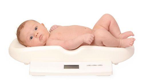 Berat Badan Bayi Kurang, Apa Sebabnya?