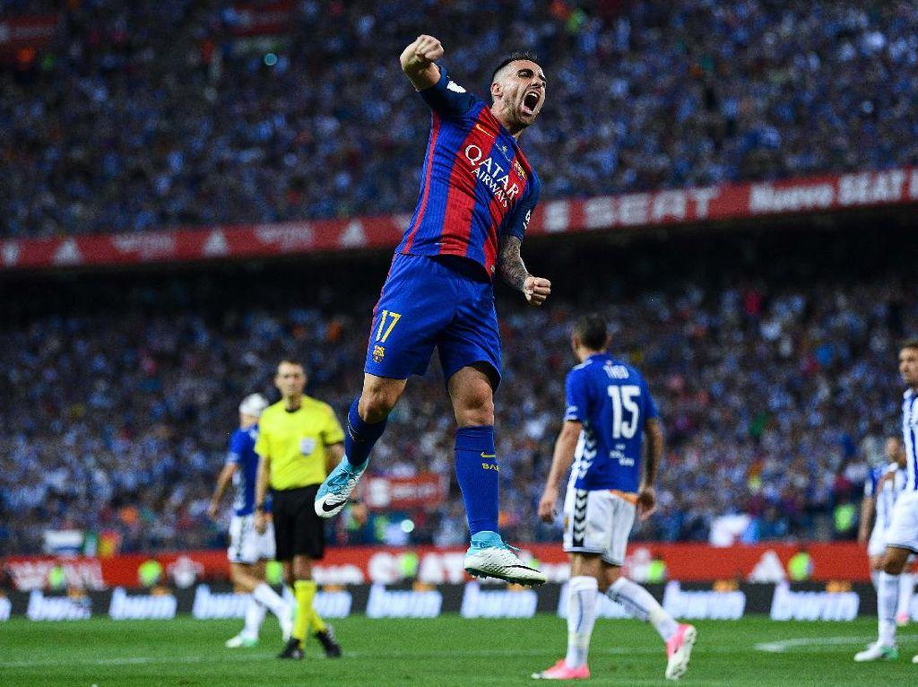 Paco Alcacer jadi pemain terakhir yang dibanderol 100 juta euro. Kontraknya baru akan habis pada 2021 mendatang. (Foto: David Ramos/Getty Images)