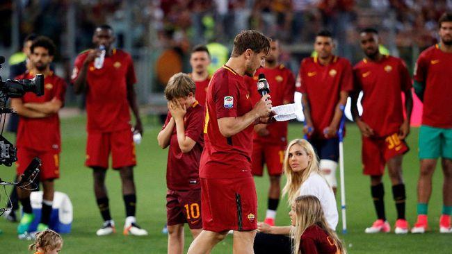 Strootman: Totti Masih Bisa Main Lima Tahun Lagi